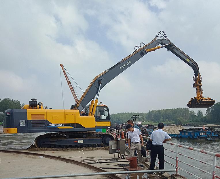 移动式液压码头吊机